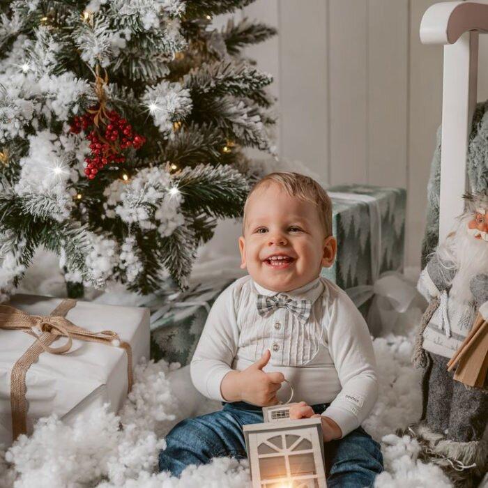 sesje świąteczne wrocław, fotograf dzieci rodzinny, najlepszy zdjęcia dzieci z choinką