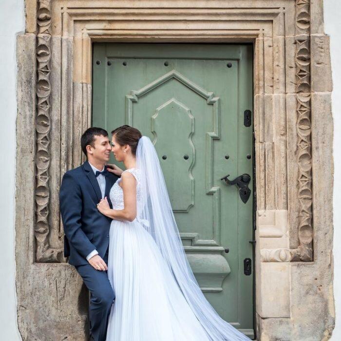 sesje ślubne we wrocławiu, katedra miejsce na plener ślubny, fotograf wesele, inspiracje ślubne