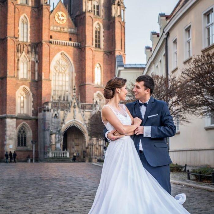 sesje ślubne we wrocławiu, katedra miejsce na plener ślubny, fotograf wesele, najlepszy fotograf