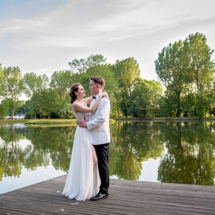 sesja nad jeziorem, Topacz zamek, inspiracje ślubne, zielony plener, panna młoda
