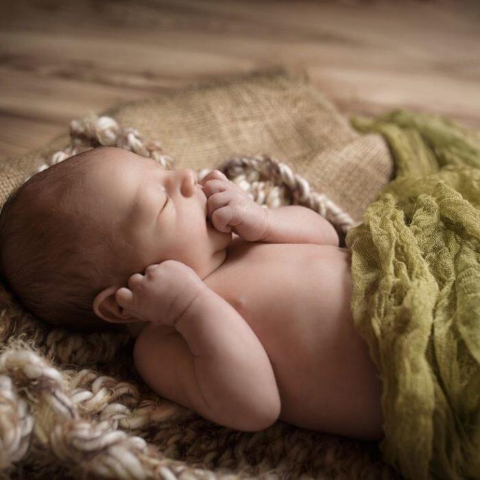zdjęcia noworodkowe, sesja rodzinna niemowlęca, Wrocław fotograf artysta