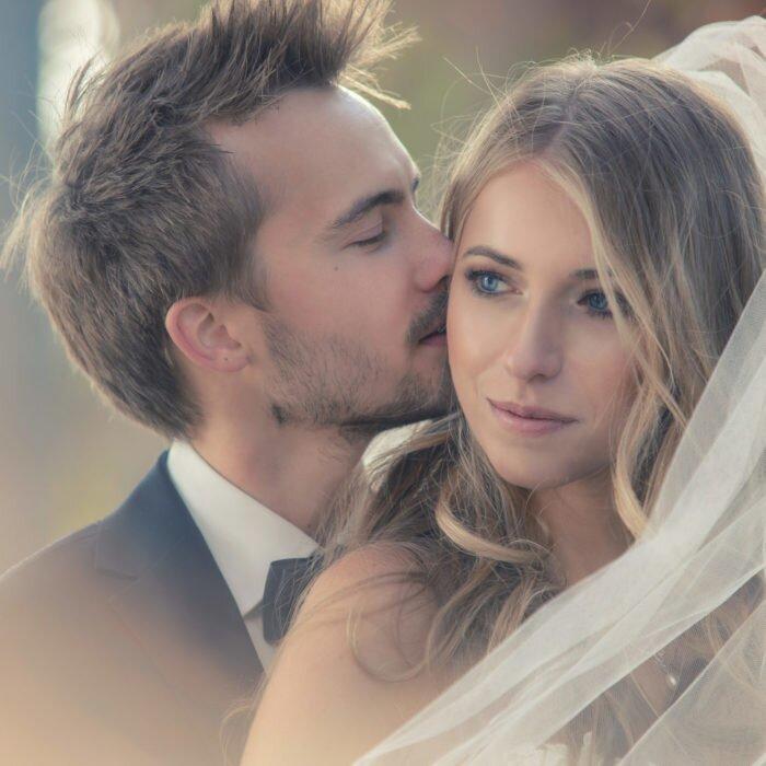 sesje ślubne na pergoli, hala stulecia wrocław, zdjęcia ślubne, fotograf na wesele 2020, portret pary młodej