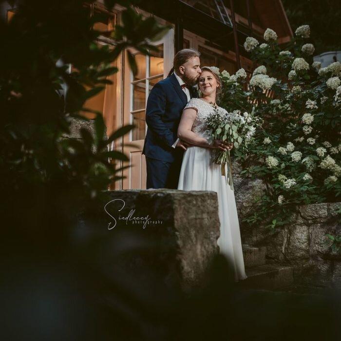 piękna młoda para, sesje wrocław, najlepszy,fotograf,zdjęcia ślubne